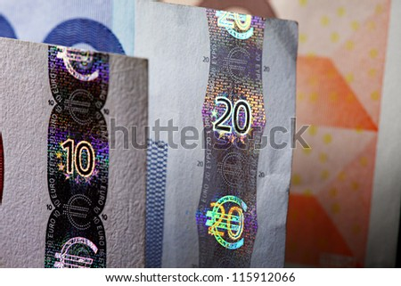 Security features on a 20-euro and 10-euro banknotes