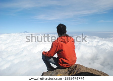 see the sky in the top of mountain