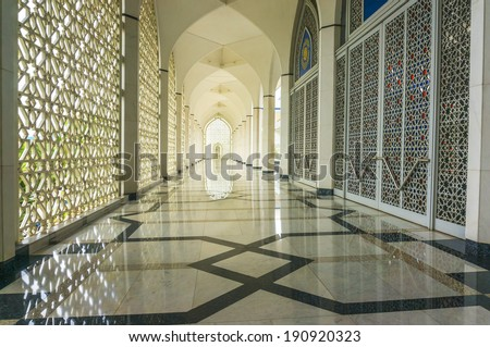 SELANGOR, MALAYSIA - APRIL 28, 2014 : Shining floor marble at Shah Alam Mosque corridor and compound. This mosque with modern design with open concept to attract most muslim and visiter.