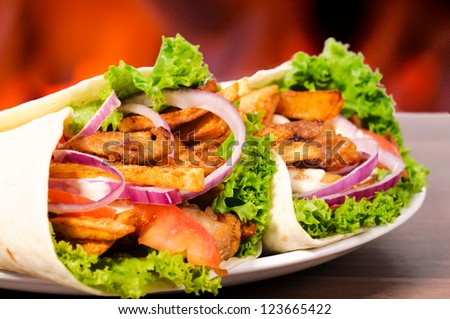 Selective focus on the left gyros pita