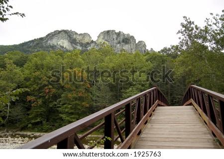 El seneca oscila el puente