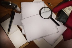 Set detective. Evidence and crime scene photos