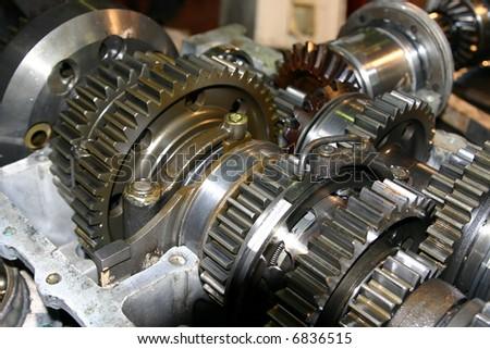 Set linked metal gears the automobile mechanism in plentiful greasing