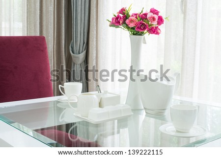 Set of coffee cup on romantic table