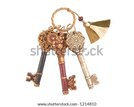 Set of 3 decorative skeleton keys on a ring