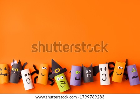 Set of handmade toys for Halloween party. Paper crafts, easy DIY. Handcraft creative idea from toilet tube for preschool, daycare kindergarten art class, recycle reuse, copy space Сток-фото ©