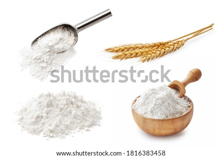 Set of wheat flour isolated on white background. Wheat spikelets and flour in wooden bowl and spoon Foto d'archivio ©
