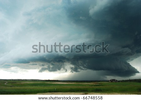 Severe thunderstorm moving in