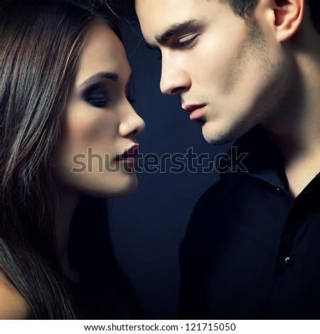 women dating online
