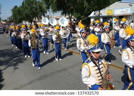 SHAFTER, CA - MAY 4: The Richland High School band plays for the spectators and proudly marches during the Cinco de Mayo Festival parade on May 4, 2013, at Shafter, California.