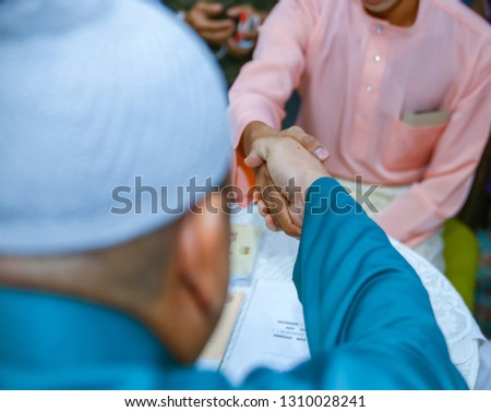 Shake Hands During Solemnization