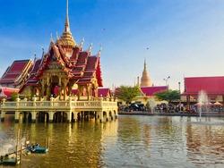 Shakyamuni Sri Sumethbophit Enshrined at Wat Bang Phli Yai Klang, Bang Phli District, Samut Prakan Province It is the largest Reclining Buddha image in Thailand, length of 26 meters, 1 cubit, 9 inches