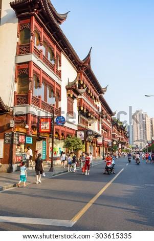 Shanghai, China - on July 31, 2015:Yu yuan garden of traditional Characteristic commercial street,  Yu yuan garden is a famous commercial street in Shanghai