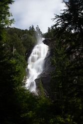 Shannon falls outside of Vancouver, Canada aong the sea to sky highway. Perfect restingplace during the drive north. Long exposure with smooth water.