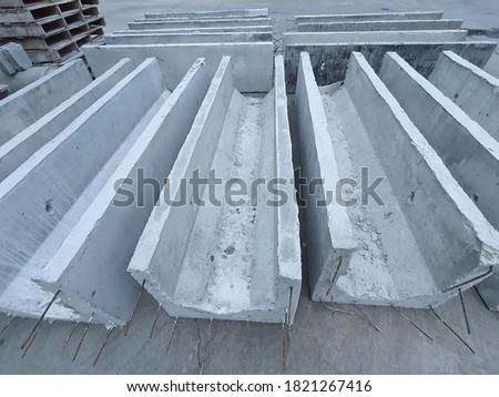 Shape of V-shaped concrete gutter, precast concrete gutter. Photo stock ©
