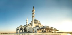 Sharjah Mosque panorama view Largest Mosque in United Arab Emirates Place to visit in Sharjah, 2020 Ramadan and Eid Concept Image, Best Travel and Tourist Spot in Dubai, Beautiful Mosque in the world
