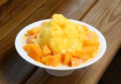 Shaved Ice with Fresh Mango