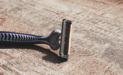 shaving razor
