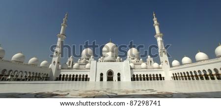 Sheikh Zayed Mosque Abu Dhabi , United Arab Emirates