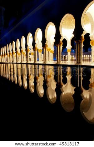 Sheikh zayed mosque in Abu Dhabi, UAE, Middle East - Columns detail