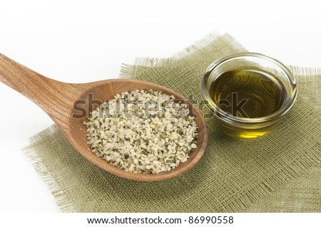 shelled hemp seeds and hemp oil