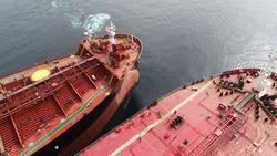 ship to ship operation during petrolium transfer