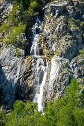 Shirlak is a waterfall on the Tektu river (Chuya basin) on the Aigulak ridge. Located in the Ongudaysky district of the Altai Republic, Russia