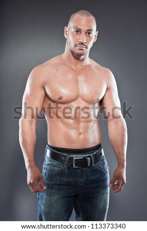 [Imagem: stock-photo-shirtless-muscled-fitness-ma...373340.jpg]