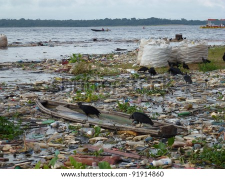 Shocking picture of water pollution on the banks of the Rio Negro in Manaus - Amazonas in January 2012