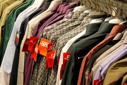Shopping Sale - male shirts / -50% discount during winter Paris sales in the male closing section (shirts)