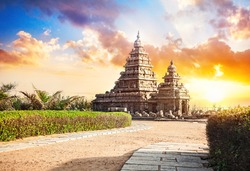 Shore temple at sunset sky in Mamallapuram, Tamil Nadu, India