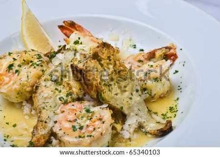 Shrimp and Artichoke with lemon in butter sauce