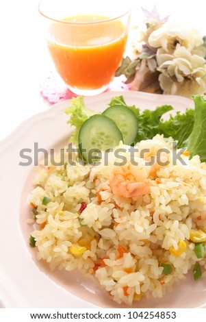 Shrimp and ball pepper fried rice and vegetable juice