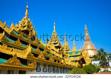 Shwedagon Paya, the most sacred buddhist temple in Myanmar,  Yangoon, Myanmar.