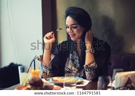 Dating restaurang co Worker Kingston Ontario online dating