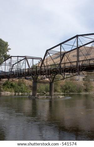 lado da ponte