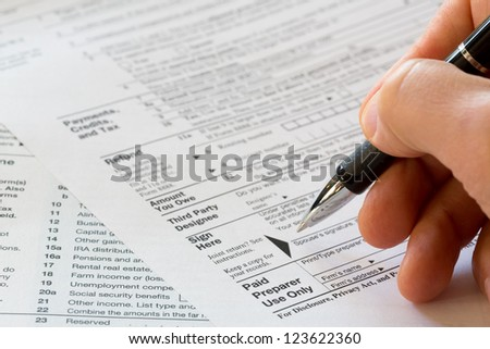 sign here, 1040 tax form