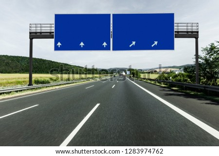 Sign on Highway Foto stock ©