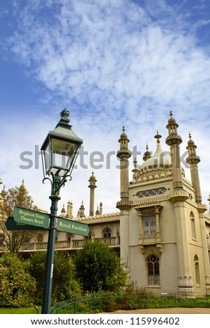 Signpost at Brighton Pavilion