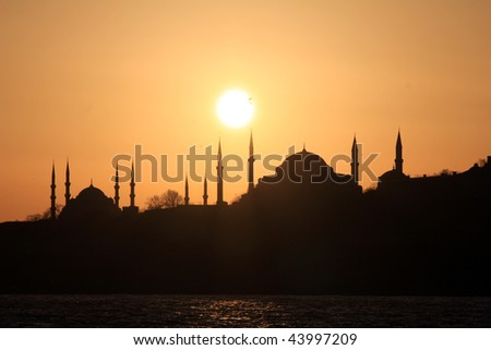 Silhouette of Hagia sophia and Blue Mosque
