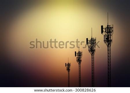 Silhouette phone antenna
