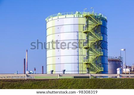 silo in Industry Park in beautiful landscape near Frankfurt #98308319