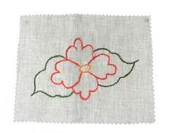Simple chain stitch flower design