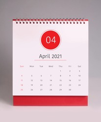 Simple desk calendar for April 2021