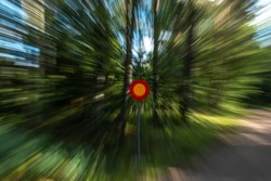 Simulated speed by changing the focal length
