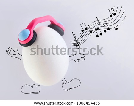 sing a song happily, fresh eggs in headphones
