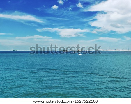 Singapore Anchorage, Clear water clear sky