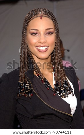Singer ALICIA KEYS at the 7th Annual Soul Train Lady of Soul Awards in Santa Monica, California. 28AUG2001.   Paul Smith/Featureflash