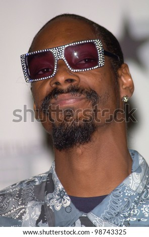 Singer SNOOP DOGG at the first annual BET (Black Entertainment TV) Awards at the Paris Hotel & Casino, Las Vegas. 19JUN2001.   Paul Smith/Featureflash