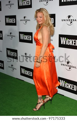 Singer TAYLOR DANE at the Los Angeles premiere of the hit Broadway musical Wicked, at the Pantages Theatre, Hollywood. June 22, 2005 Los Angeles, CA  2005 Paul Smith / Featureflash
